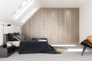 porte de placard coulissante avec plafond en biais ton bois à villefranche de lauragais 31290