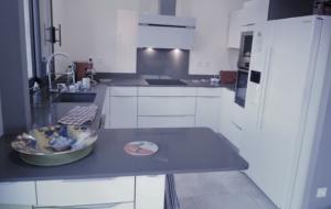 cuisine plan granit gris photo Reelle cuisine encastrée malrieu